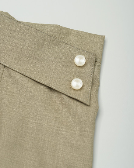Pippa Button 7/8 Pants in Olive