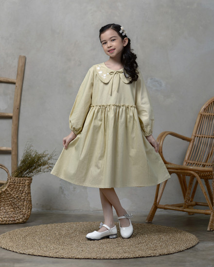 Cella Embroidery Collar Dress in Soft Green