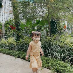 Spending quality times with the kiddos are always the right decisions ❤️ We hope all the children could feel the love ❤️ . Thank you Lois from @djournalmpasi for styling .candybutton. from head to toe 😍 You are so cute 🥰 . #candybutton #candybuttonbaby #cutekids #cutekidsfashion