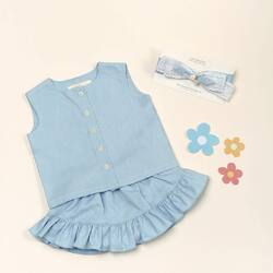 Annie Set 🍎🍎🍎 available from 6month baby size to 10 years old. Good news it also available in Mom's size 😍😍😍 So let's wear it together with the kids ☺️☺️☺️ . Made from high quality cotton , made Annie Set is so comfortable , sweet & cute ! Grab them fast now! 🍎😘 . #candybutton #candybuttonshop #kidsfashion #jualbajuanak #kidsboutique